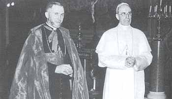[Image: Lefebvre-and-Pope-Pius-XII.jpg]