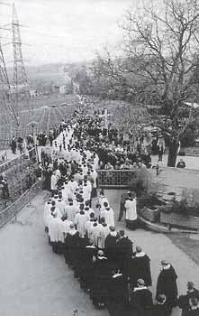 [Image: Lefebvre_funeral_procession.jpg]
